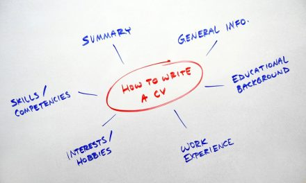 Comment bien adapter son CV?